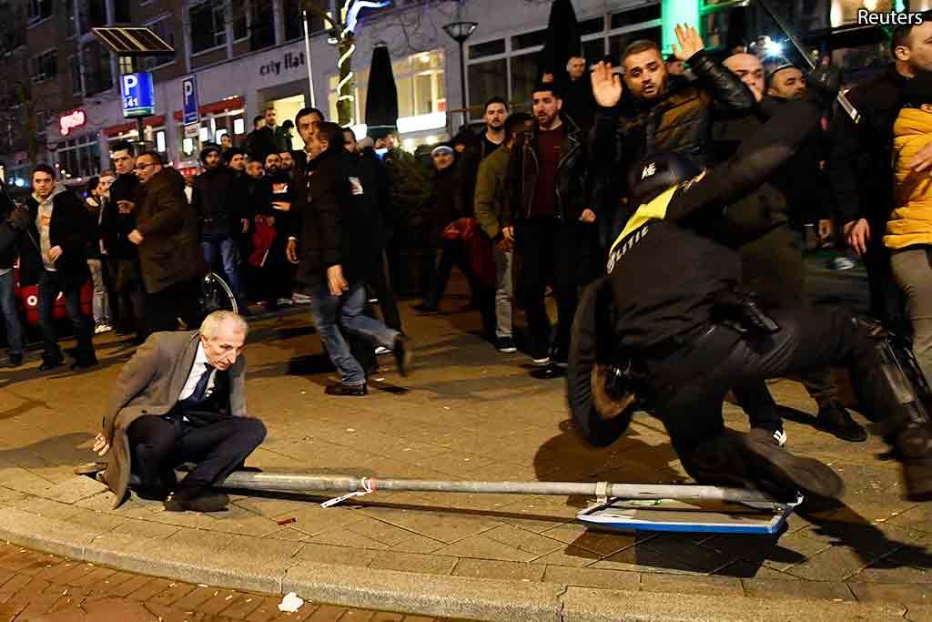 столкновения с полицией Нидерланды